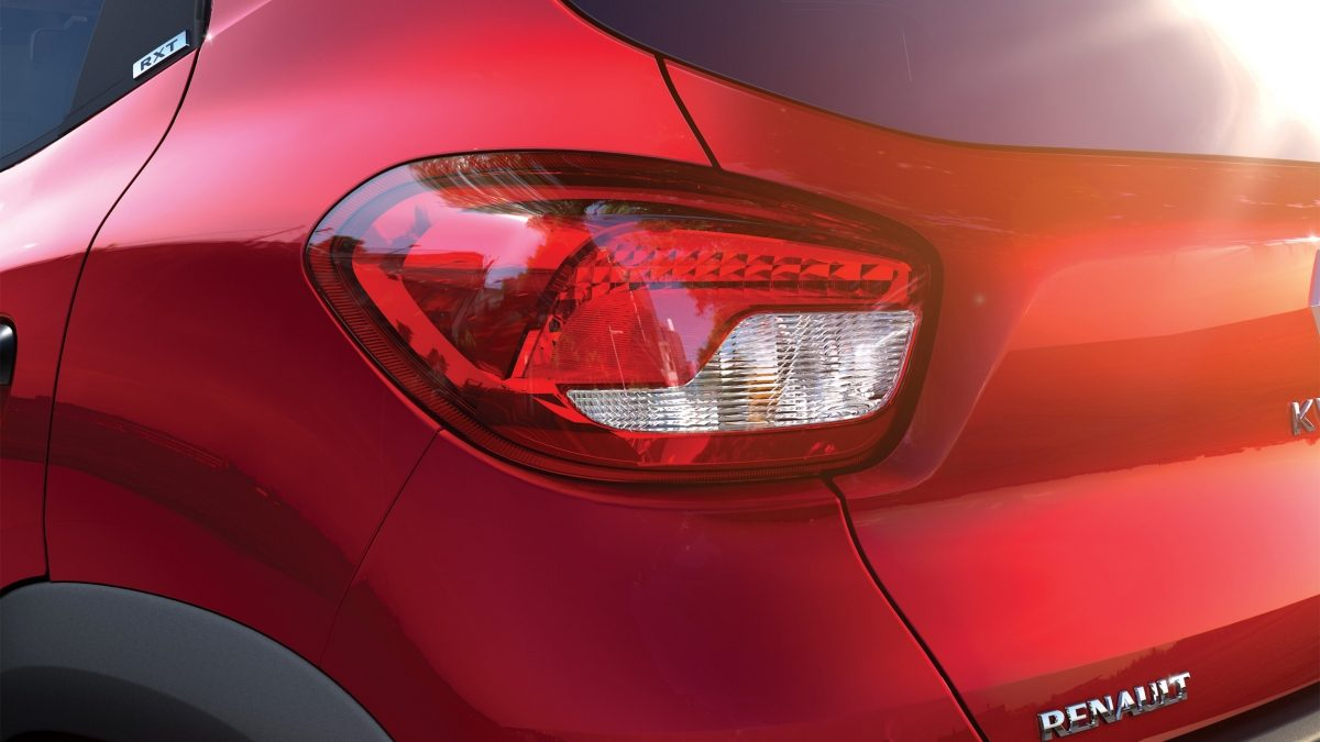 Kwid_Taillight_Shot_06.ximg.l_12_m.smart